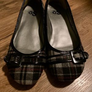 Plaid flats with buckle front